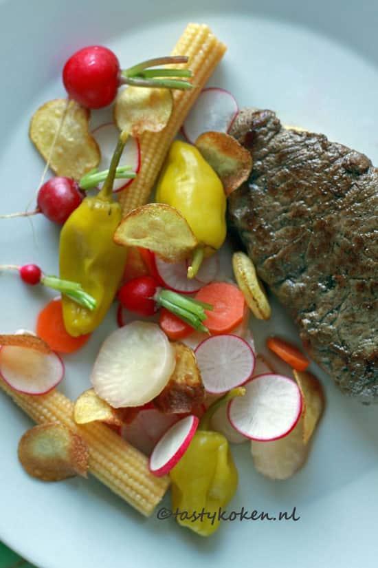 Paardenbiefstuk met gepickelde groenten
